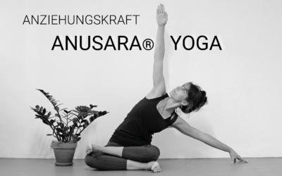 Anziehungskraft Anusara® Yoga