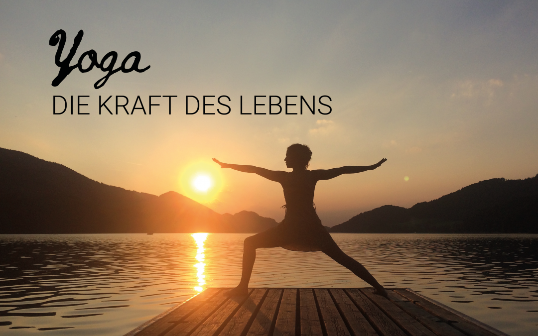 Yogi vor Sonnenuntergang, Yoga die Kraft des Lebens